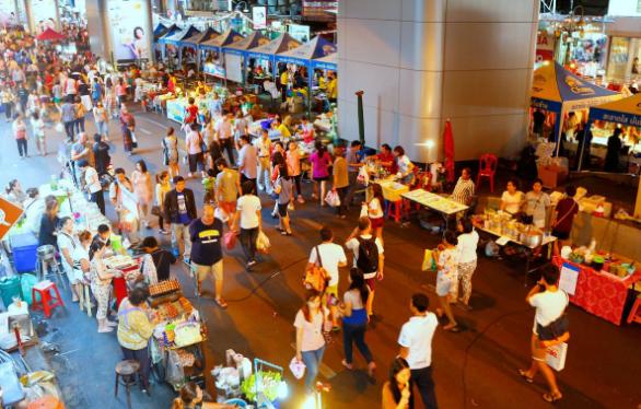 cho-dem-bangkok-silom